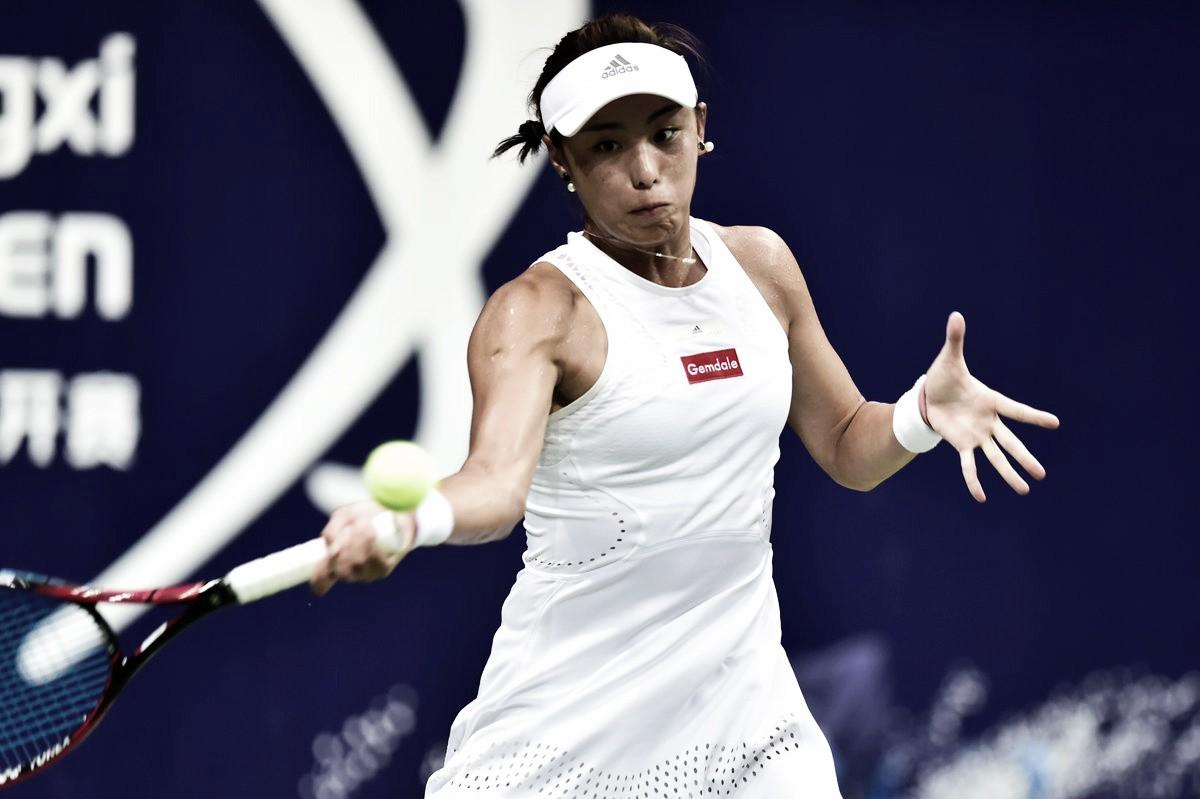 Em Nanchang, Zheng abandona no segundo set e Wang conquista primeiro título na carreira