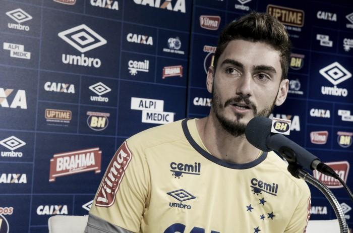"""Mais quatro! """"Filho da casa"""", goleiro Rafael renova com Cruzeiro até 2021"""