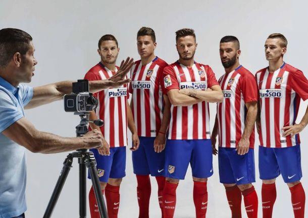 Homenaje al doblete en la nueva camiseta del Atlético de Madrid
