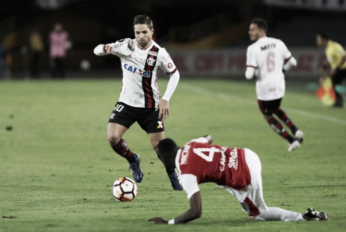 Após empate com Santa Fé, Diego apoia Barbieri: ''Estamos muito satisfeitos com seu trabalho''