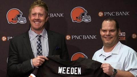 Brandon Weeden firma su contrato mientras Tomlin renueva con Pittsburgh