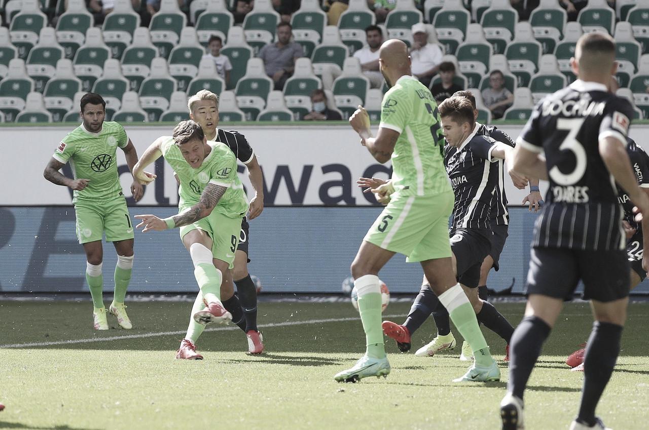 """Wolfsburg domina, mas vence Bochum """"só"""" pelo placar mínino na estreia da Bundesliga"""