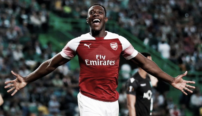 Welbeck le da un luchado triunfo al Arsenal