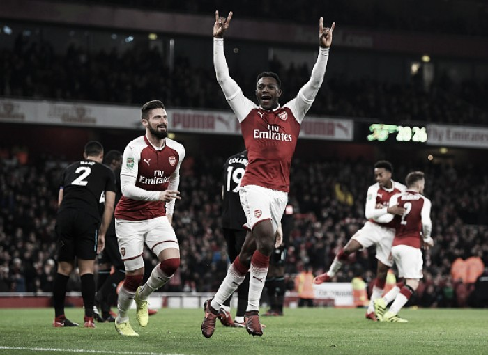 Welbeck marca no único chute certo do jogo, Arsenal vence West Ham e vai às semis da Copa da Liga
