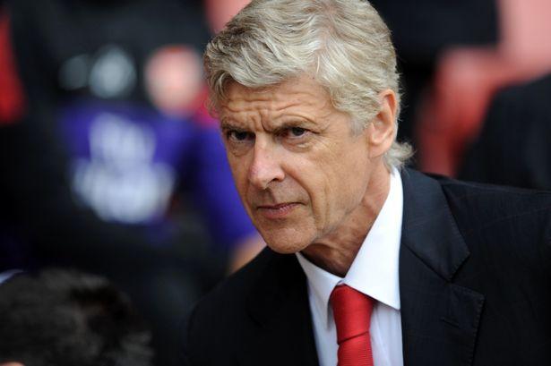 Arsène Wenger pierde la calma en rueda de prensa