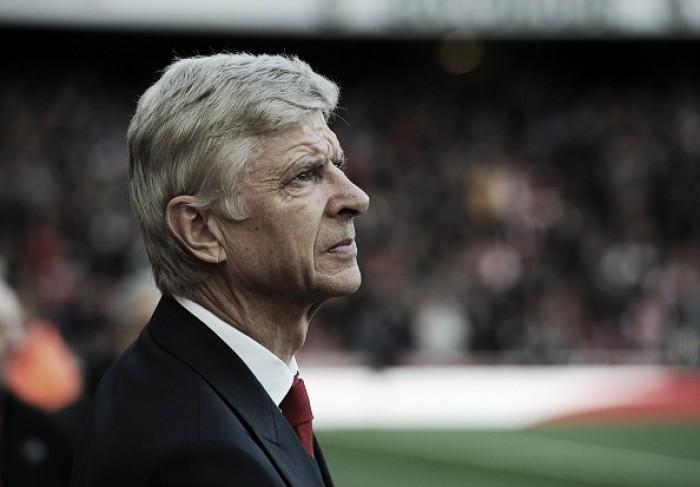 Em encontro anual do clube, presidente do Arsenal exalta Arsène Wenger