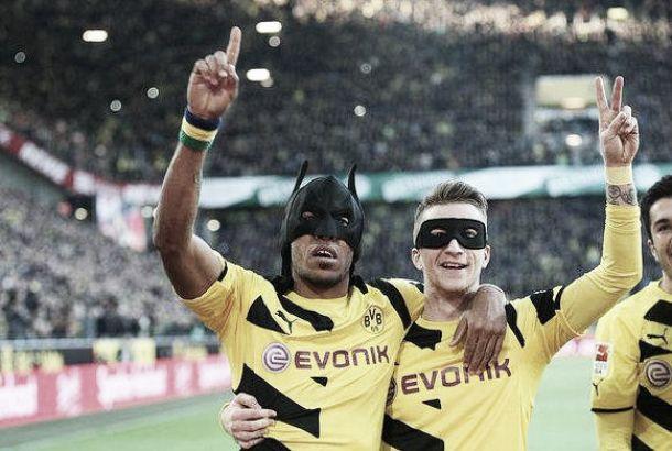 Il super-Dortmund fa suo il derby della Ruhr, 3-0 sullo Schalke che cade nel finale