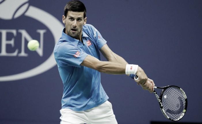 Djokovic passeia em duelo contra britânico Edmund e está nas quartas do US Open