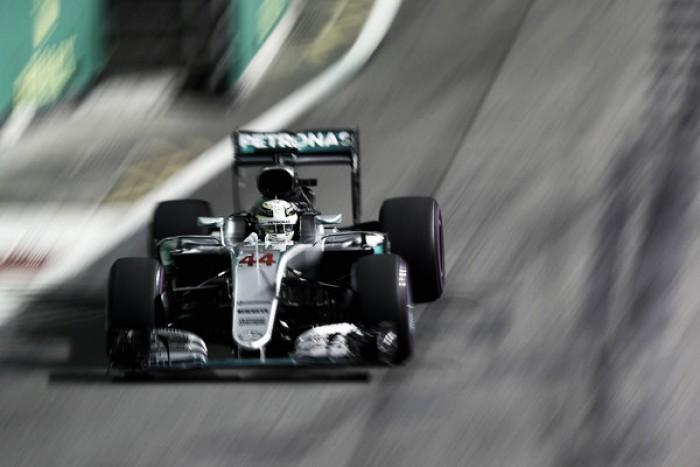 La Fórmula. Lewis Hamilton revoluciona el final del Gran Premio de Singapur