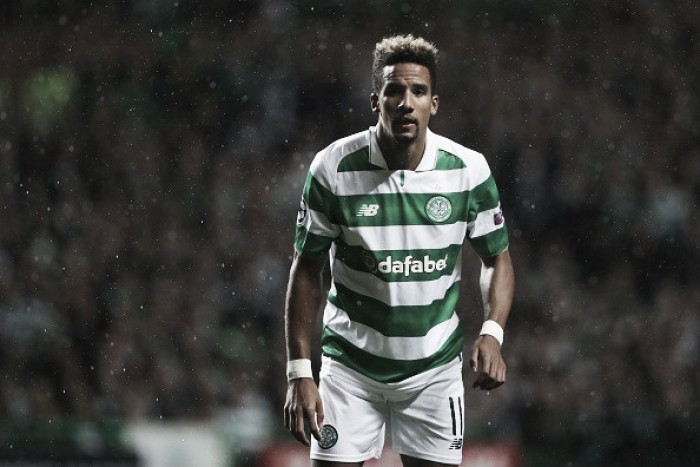 Elogiado no Celtic, atacante Sinclair vive esperança de ser convocado pela Inglaterra