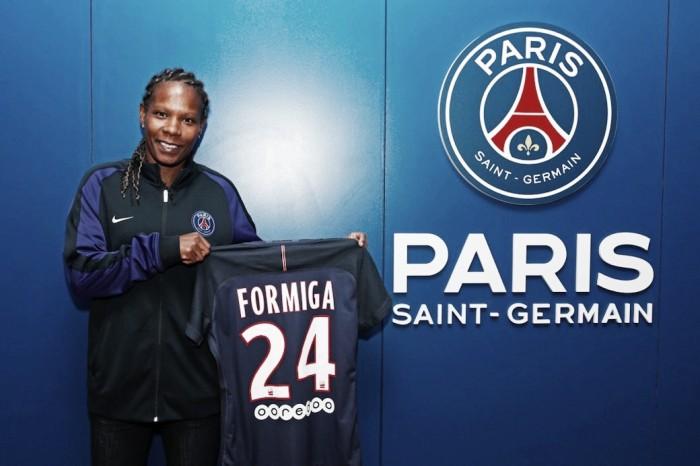 Com vasta experiência no futebol feminino, volante Formiga assina contrato com PSG