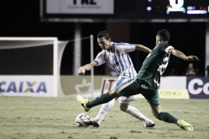 Goiás derrota Paysandu em jogo movimentado e deixa zona de rebaixamento