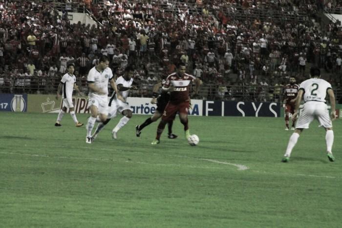 Guarani busca empate contra CRB nos acréscimos, mas perde liderança da Série B