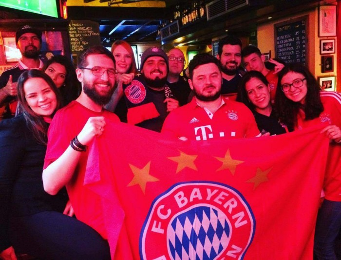 Torcedores do Bayern se reúnem em São Paulo para assistir à Supercopa da Alemanha