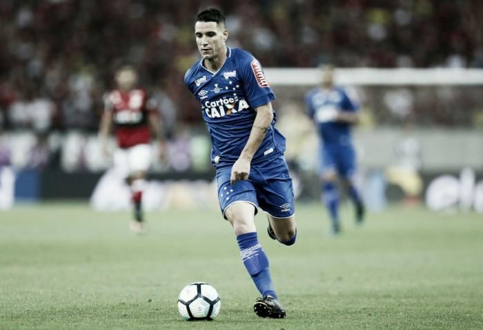 """Thiago vê falhas do Cruzeiro em ida contra Flamengo, mas já projeta decisão: """"Dá para ganhar"""""""