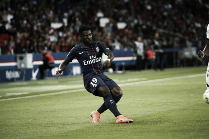 """Lateral Aurier explica troca do PSG pelo Tottenham: """"Eu estava preso, não podia fazer nada"""""""