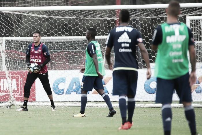 Diego Alves lamenta má fase do Flamengo e prevê melhora durante semana de treinamentos