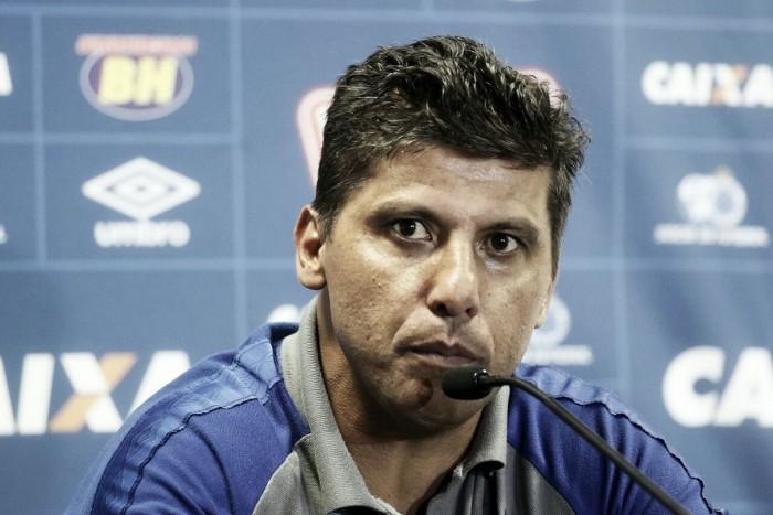 Vitória contra Grêmio deixa Sidnei Lobo satisfeito, e Mano volta para decidir futuro