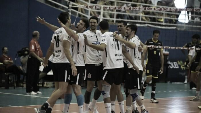 Emocionado, Sidão celebra primeira partida completa pelo Corinthians-Guarulhos