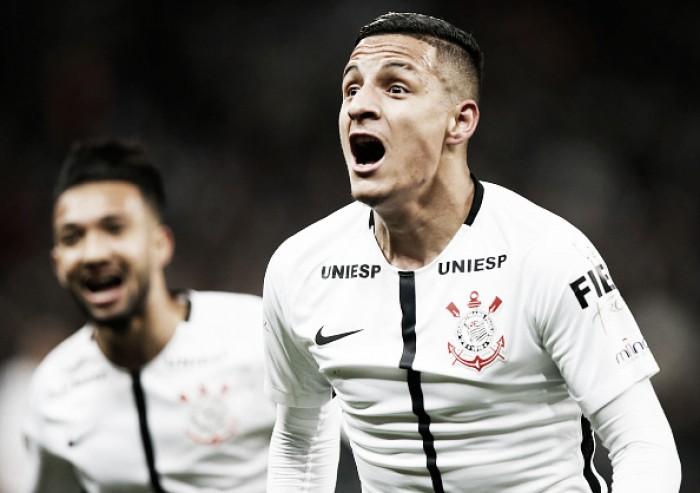 Emocionado, Guilherme Arana confirma proposta do Sevilla e deve deixar Corinthians