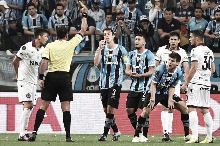 Grêmio divulga nota repudiando arbitragem da final da Copa Libertadores
