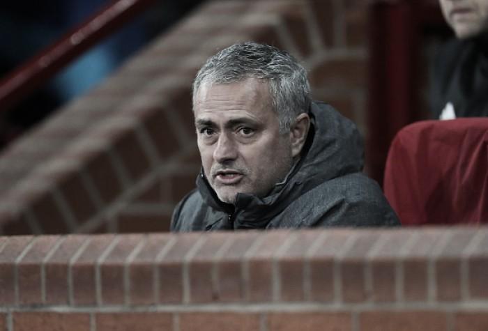 Mourinho enaltece atitude de seus jogadores após avançar em primeiro na fase de grupos da UCL