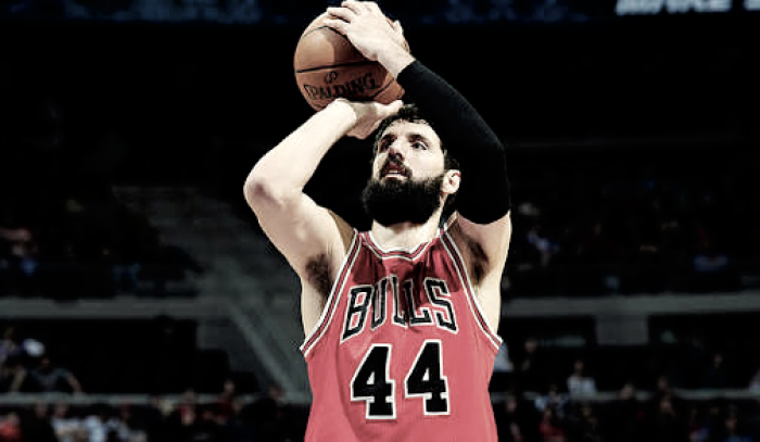 Bulls trocam Mirotic com Pelicans por três jogadores e escolha de draft