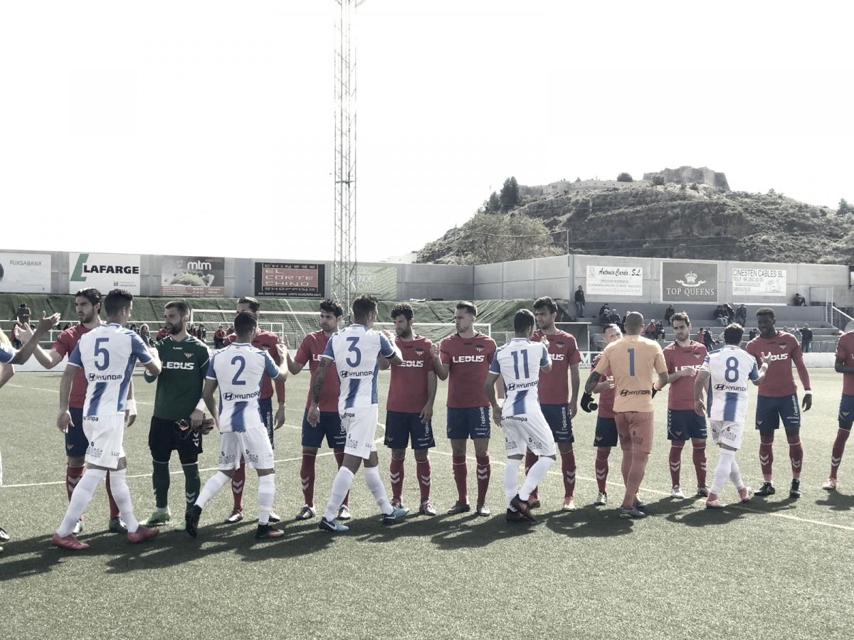 """El Baleares vence a un Saguntino """"sin entrenador"""""""