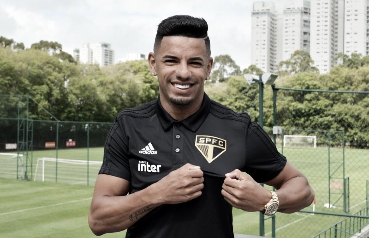 Bruno Peres treina no gramado pela primeira vez no São Paulo