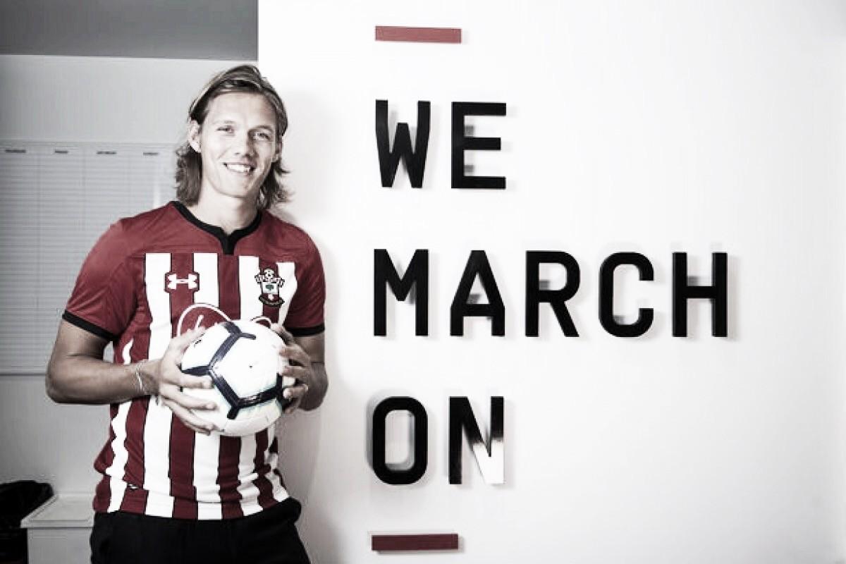 Southampton contrata zagueiro dinamarquês Jannik Vestergaard