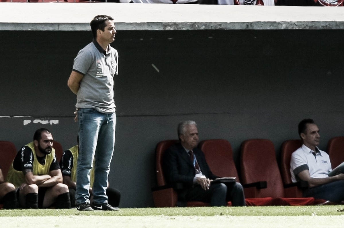 """Romero faz seu primeiro hat-trick e Osmar Loss exalta: """"É a cara do Corinthians"""""""