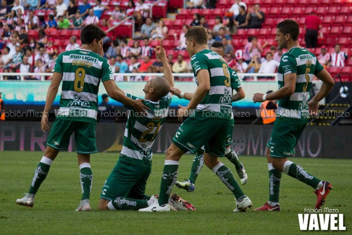 Santos le voltea el marcador a Chivas