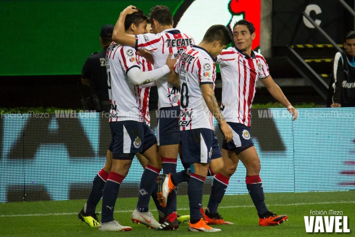 Un rayo le regresa el triunfo a Chivas