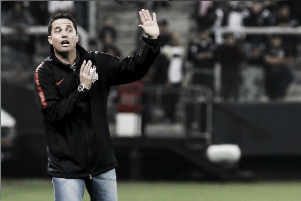 """Apesar da eliminação, Loss elogia bom desempenho do Corinthians: """"Foi uma das melhores partidas"""""""