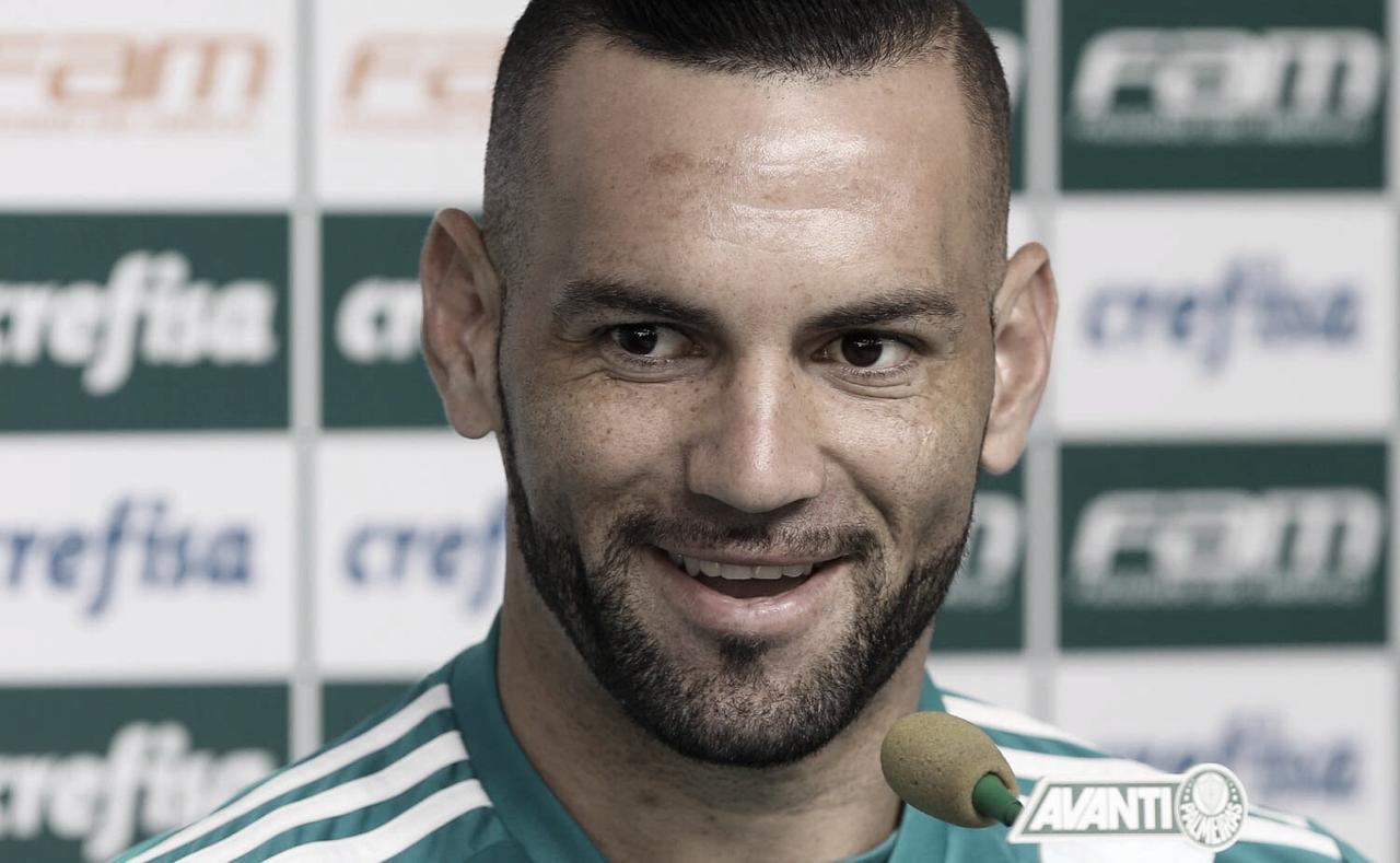 Weverton diz que Felipão está sabendo lidar com desafio de escalar o Palmeiras