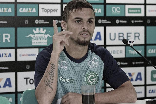 """Destaque do Goiás, Michael desabafa sobre seu passado: """"Eu gostava de mexer com tráfico"""""""