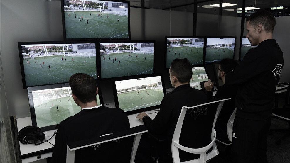 UEFA anuncia uso do VAR das oitavas de finais da Champions League