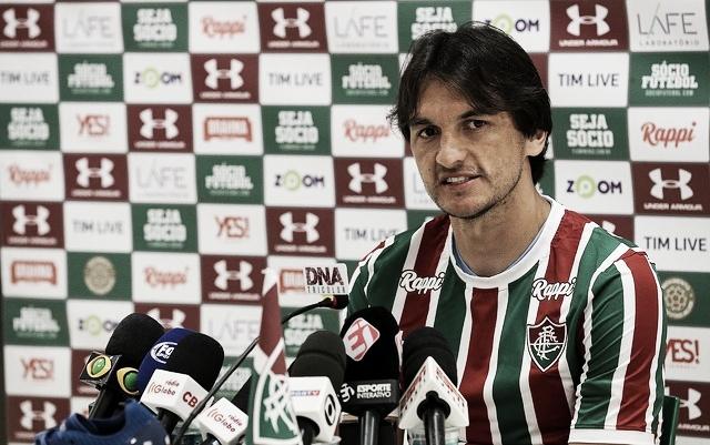 Novo camisa 3 do Fluminense, Matheus Ferraz evita fazer comparações com Gum