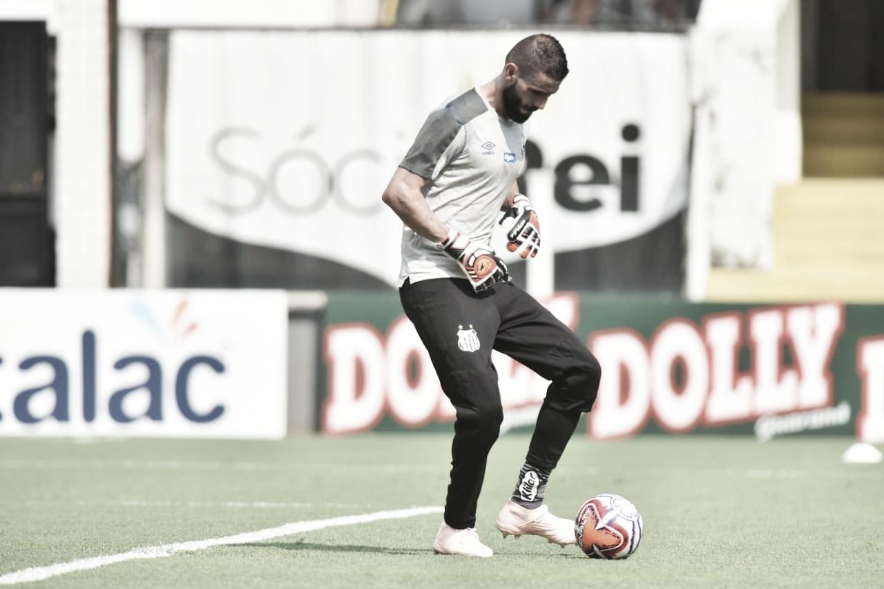 """Sampaoli elogia Vanderlei e dá recado a novo goleiro: """"Terá que trabalhar"""""""
