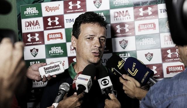 """Fernando Diniz elogia atuação do Fluminense: """"A vitória mostra um time sólido"""""""