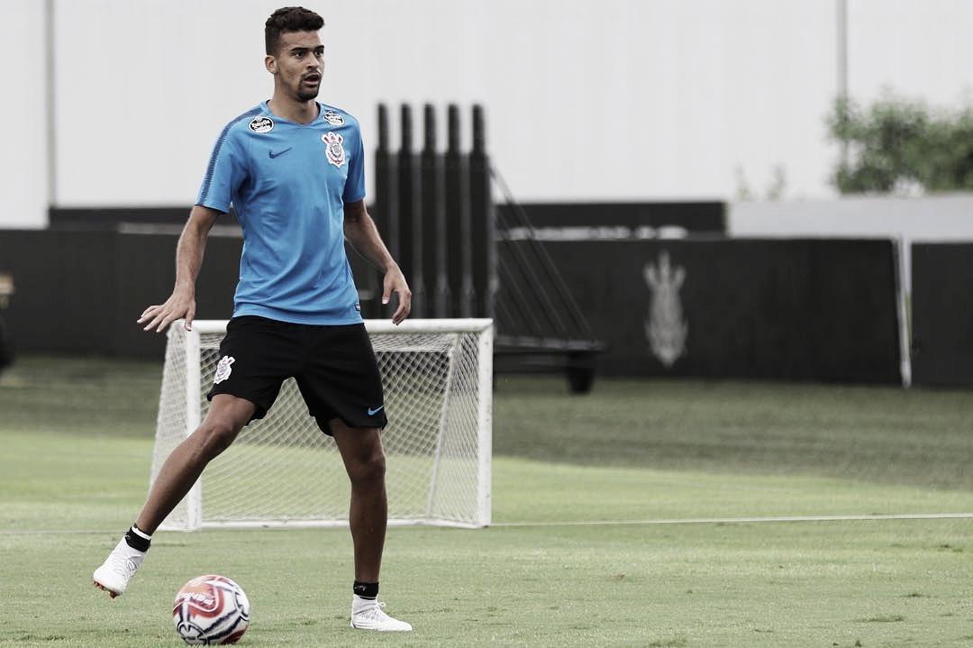 Reforço: Fluminense está perto de trazer Léo Santos, do Corinthians