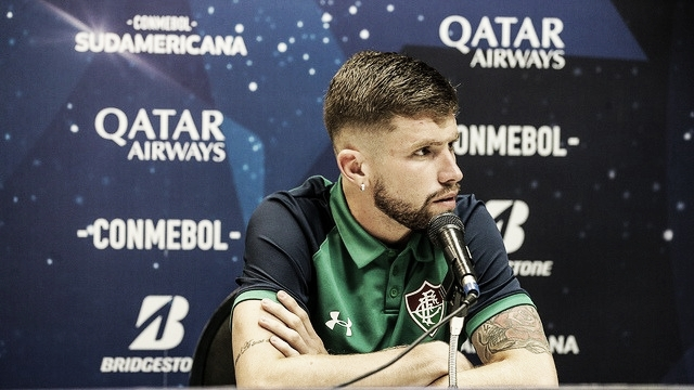 """Caio Henrique comenta versatilidade dentro de campo: """"Fazer meu melhor onde precisar"""""""