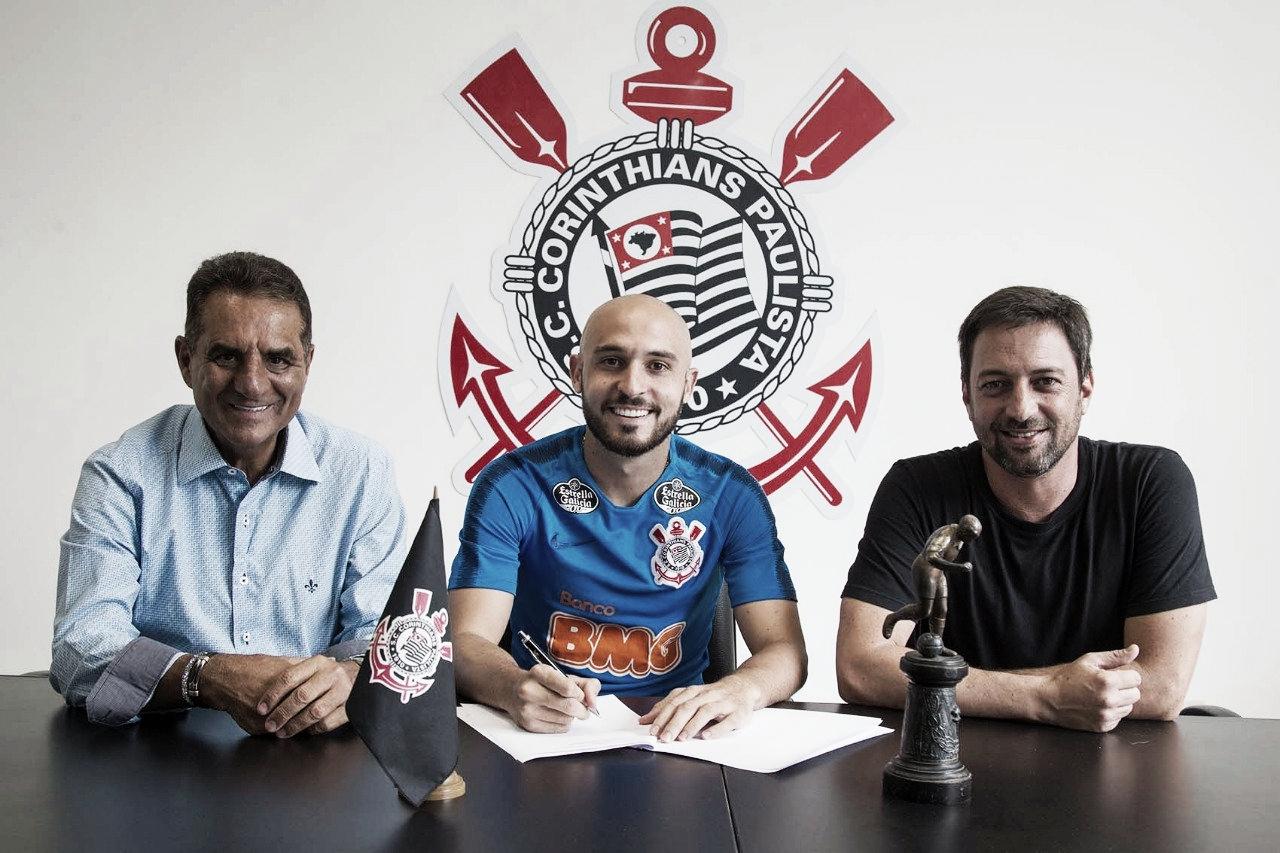 Corinthians anuncia chegada de Régis por empréstimo junto ao Bahia