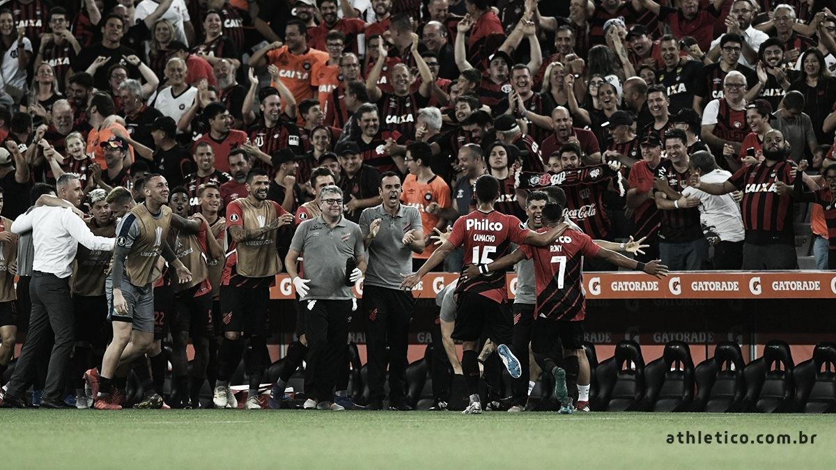 Em casa, Athletico-PR goleia Jorge Wilstermann e vence a primeira na Libertadores