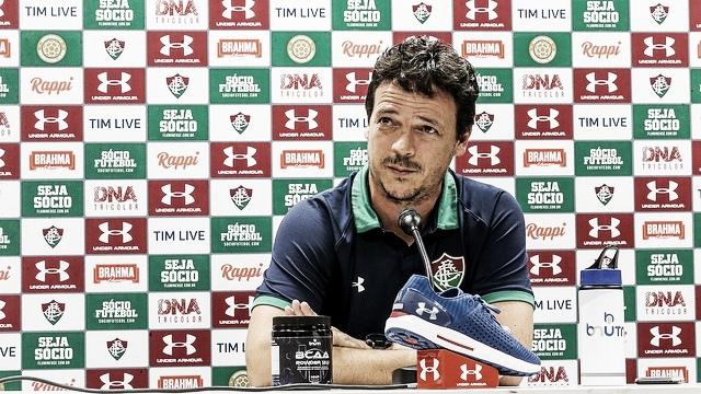 """Fernando Diniz elogia atuação de Calazans e faz pedido: """"Gostaria muito que ficasse"""""""