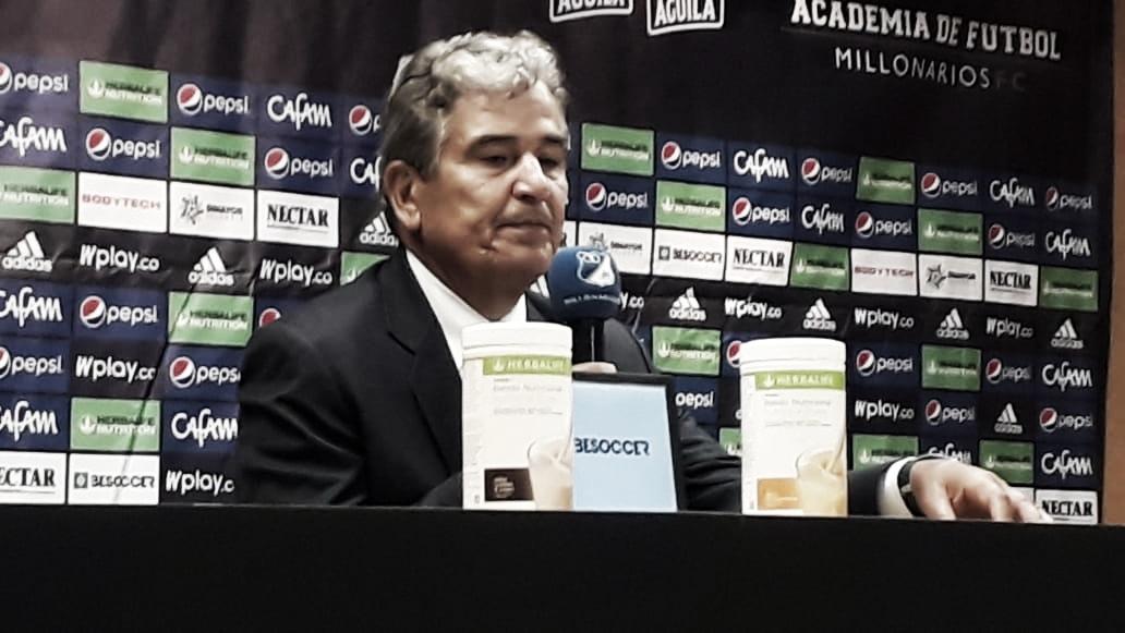 """Jorge Luis Pinto: """"No era fácil el partido entendemos la necesidad de Santa Fe"""""""
