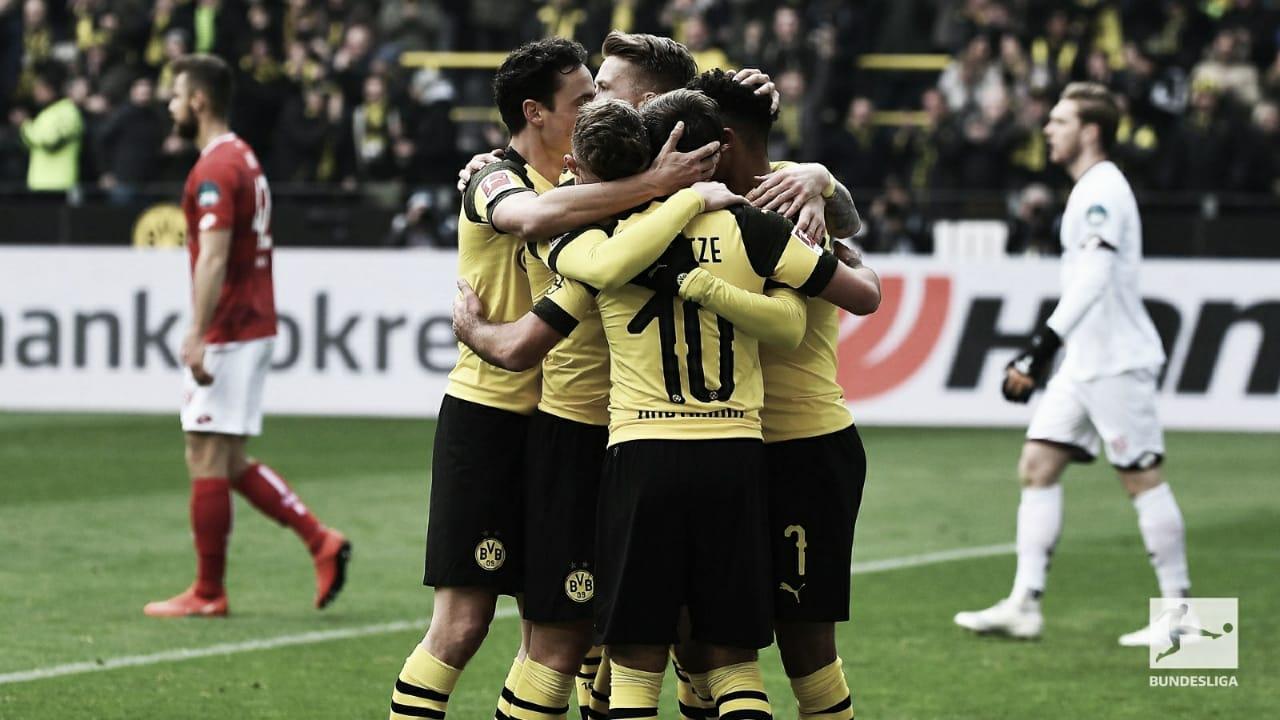 Borussia Dortmund derrota Mainz e joga pressão para o Bayern na Bundesliga