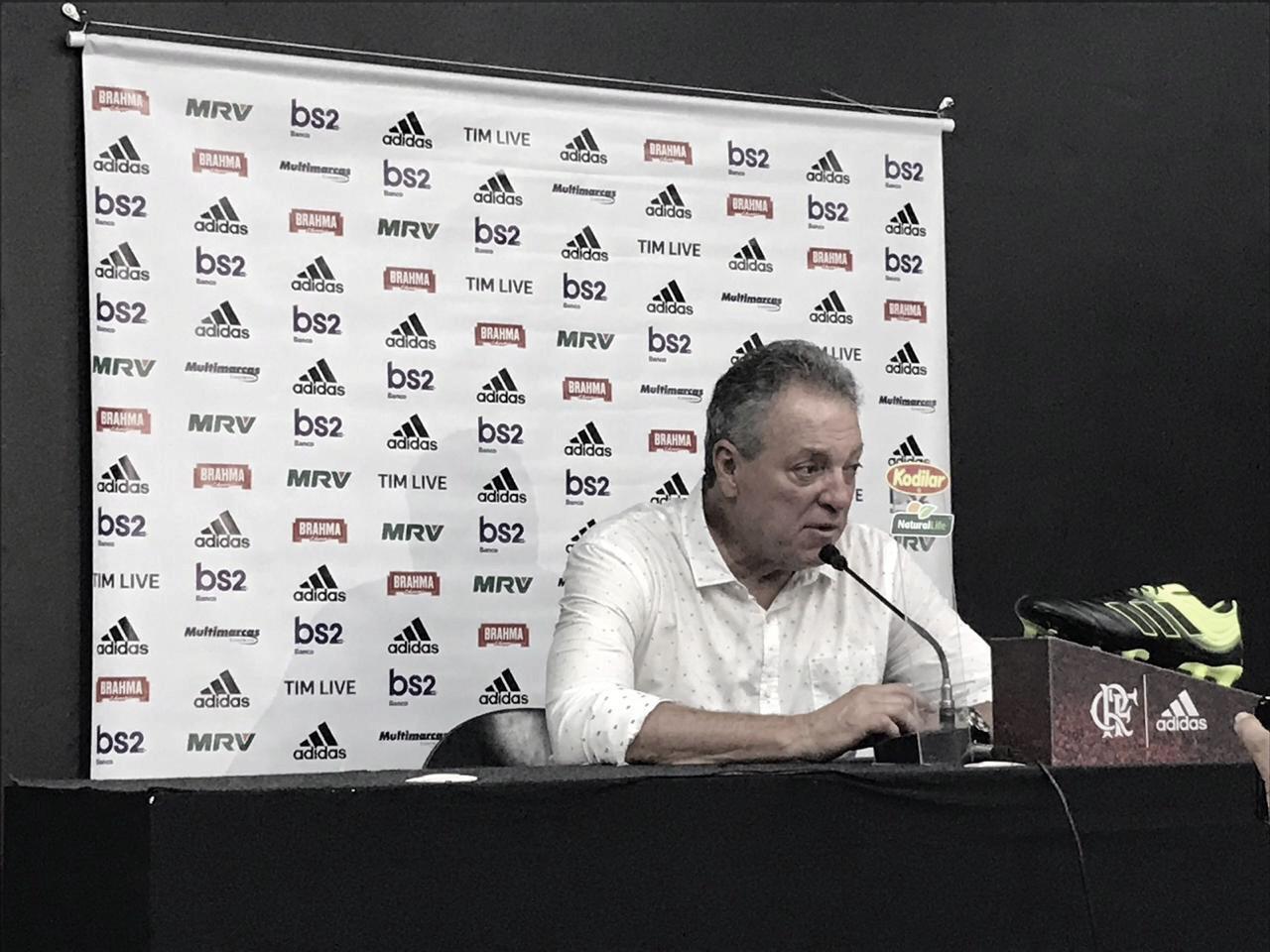 """Com boa vantagem na decisão, Abel elogia Flamengo no segundo tempo: """"Foi uma vitória justa"""""""