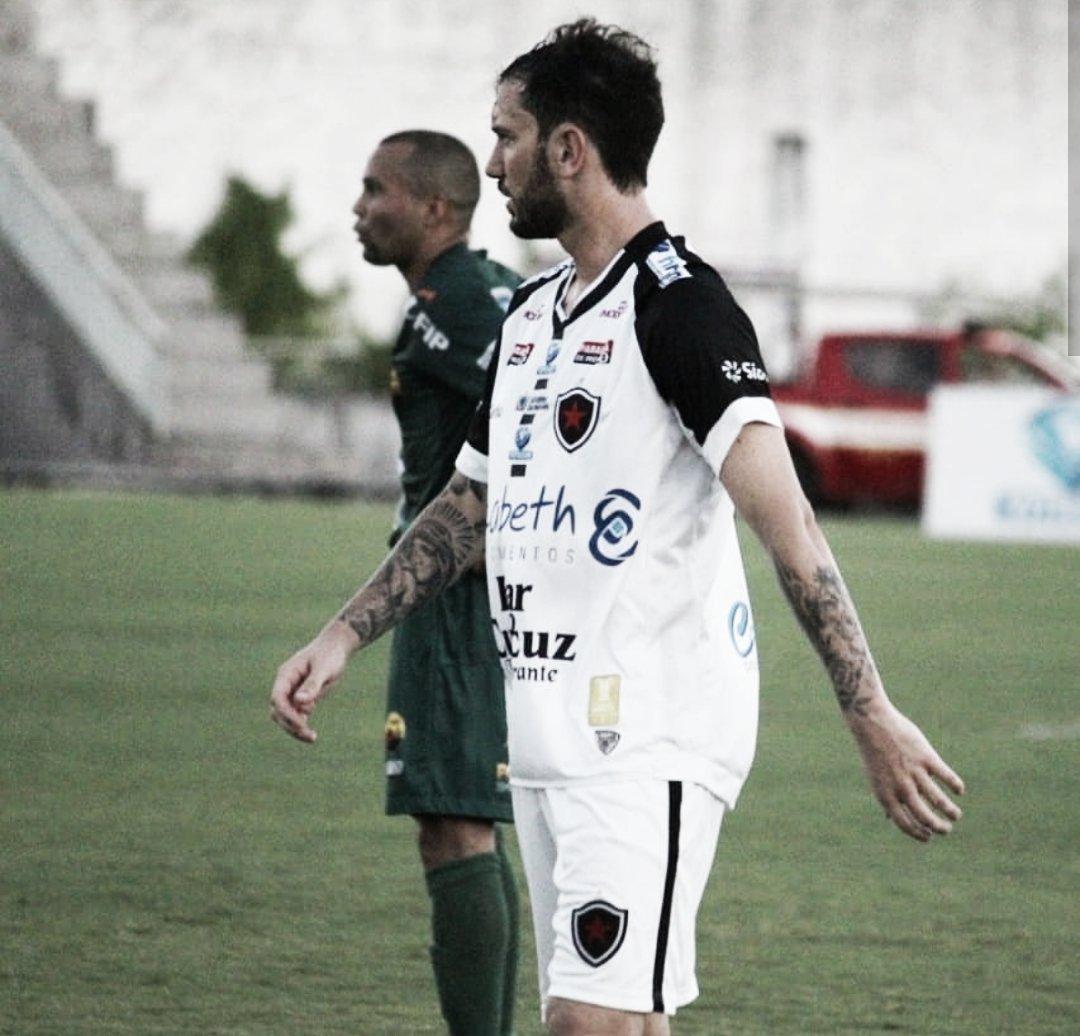 Com gol de Clayton, Botafogo-PB vence Nacional e garante vaga na final do Paraibano