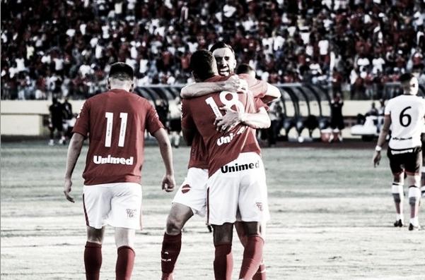 Vila Nova e Bragantino medem forças em jogo atrasado da terceira fase da Copa do Brasil